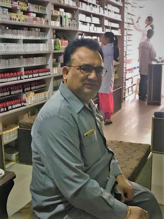 Dr Navin Pandey